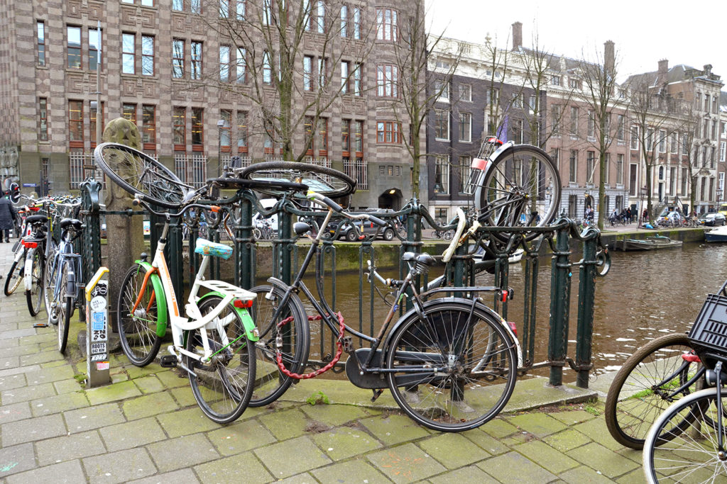 bicycles-everywhere-in-amsterdam
